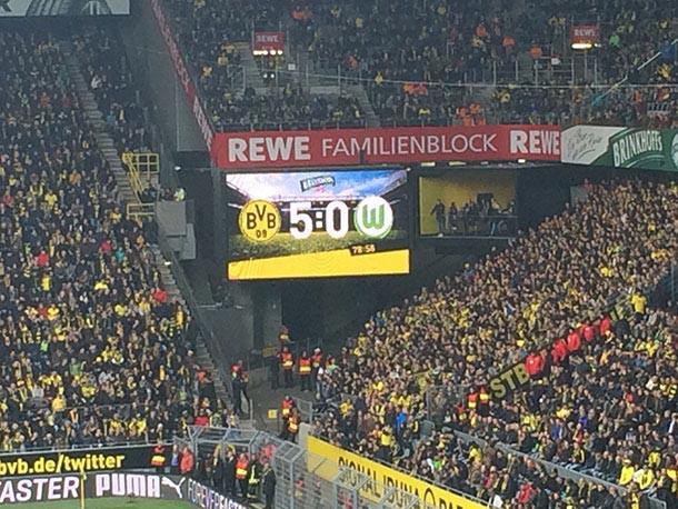 5:0 auf der Spieltafel: Borussia Dortmund gegen den VfL Wolfsburg